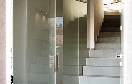 parete divisoria e porta in vetro satinato extrachiaro
