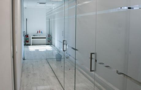 pareti divisorie in vetro per ufficio porte in vetro per ufficio